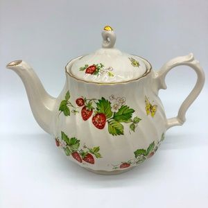 Wessex Collection porcelain strawberry teapot 7 in